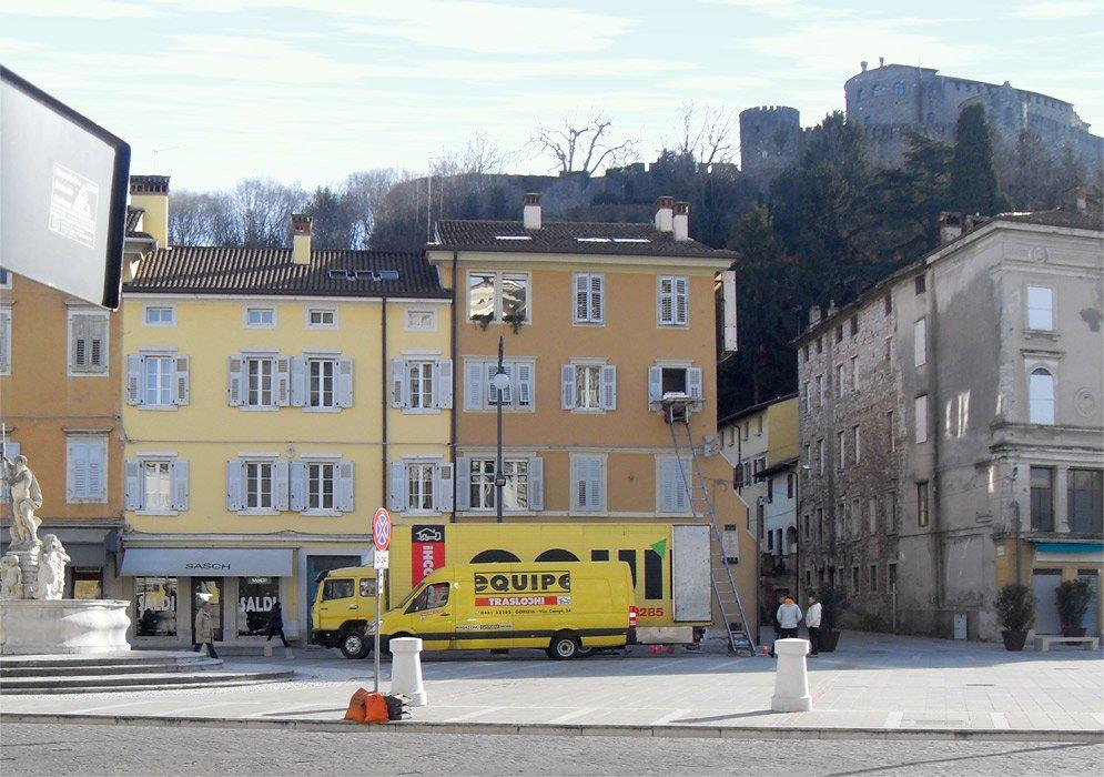 Equipe Traslochi Gorizia, piazza Vittoria.